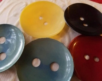 Vintage Buttons -  lot of 5 extra large 2 hole large size celluloid assorted colors, old and sweet( feb 483 17)
