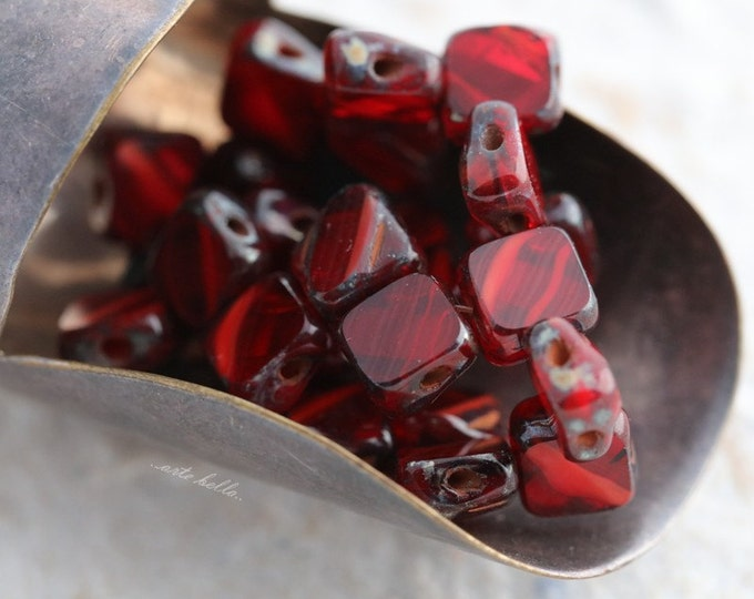 RED SQUARES .. 25 Picasso Glass Silky Tile Square Beads 6mm (5642-st)