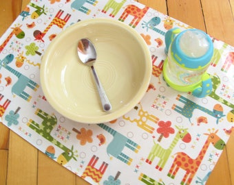 2 vinyl placemats for kid giraffe wipeable lightweight water repellent