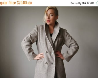 ON SALE 1980s Neutral Herringbone Winter Coat~Size Medium