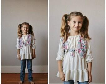 25% OFF SALE 1970s Floral Peasant Dress & Vest >>> Size 3t/4t