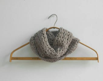 Crochet Cowl, Woman's Lace Cowl in Gray Merino Wool, Autumn Cowl, Winter Neck Warmer, Ready to Ship