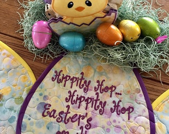 Quilted EASTER  Table Runner . . . Hippity Hop Eastet'son it's Way . . .  Applique Bunnies . . . EGG Shape Table Quilt