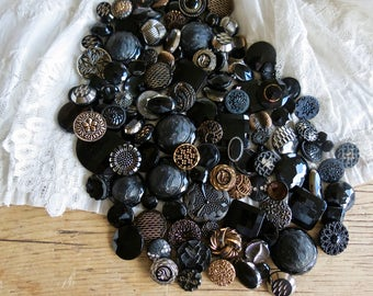 Vintage Lovely Lot Of Glass Buttons