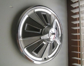 1966  Spinner Ford Mustang Hubcap Clock No.2434
