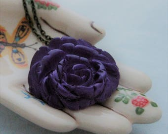 Vintage Cabbage Rose Necklace Purple Violet Orchid Celluloid Jewelry Floral Jewelry Flower Necklace Vintage Necklace Handmade purple jewelry