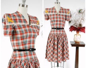 Vintage 1930s Dress - Rare Plaid Cotton Late 30s/Early 40s Army Air Corps Sweetheart Dress with Puffed Sleeves and Wide Collar