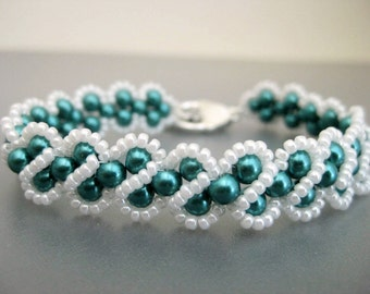 Pearl Bracelet in Teal and White  / Beaded Bracelet / RAW Bracelet / Seed Bead Bracelet / Made To Order / Beadwoven Bracelet / Beadwork