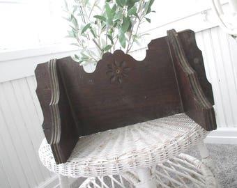 Vintage Wall Shelf * Eastlake * Antique * Victorian * Cottage * Old Farmhouse