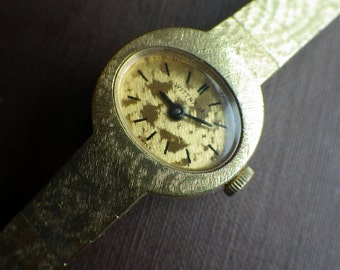 Ladies Wittnauer Vintage Watch - Working - Wind up.