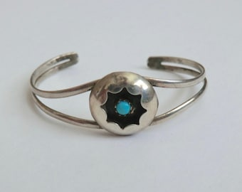 Vintage Sterling Turquoise Baby Cuff Bracelet Shadowbox Scalloped Design