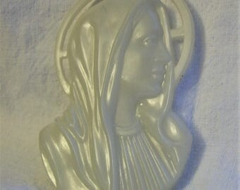 Virgin Mary Wall Hanging, Plastic Glow in the Dark Virgin Mary, Vintage  virgin mary wall hanging