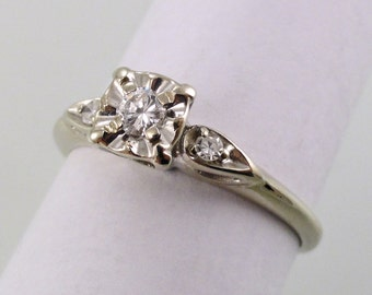 A Sweet Vintage Diamond Engagement Ring, Circa 1950, 14k White Gold (A1621)