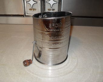 Vintage Bromwells Measuring Sifter 3 cups with Brown wood handle.  Aluminum. Made in USA. Farmhouse country kitchen