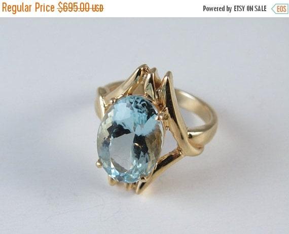 Holiday Sale Vintage estate 14k gold 4.87 carat oval aquamarine cocktail ring, size 5.75