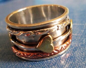 RING  - SPINNING -  spinner  - CARVED - Eternity - Three Tone  - Hearts  - Wide - 925 - Sterling Silver - Size 8 1/2    spinner 225