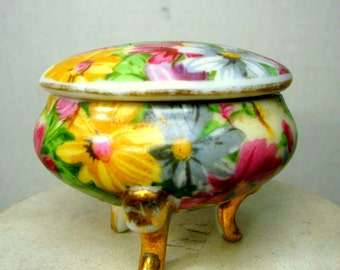 Tiny Flower Pattern Porcelain Ring Box, 2 Part Trinket Treasure Box On Gold Legs, 1960s, Japan...Sweeeeeet...