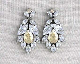 Crystal Bridal earrings, Wedding earrings, Bridal jewelry, Swarovski crystal earrings, Chandelier earrings, Vintage style earrings, Couture
