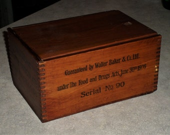 Walter Baker & Co Ltd Massachusetts Cinquieme Sweet Chocolate early 1900's dovetail mortise joints Chocolate Crate wooden box slide wood lid