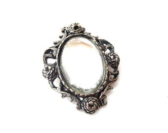 Oval Shaped Silver Tone Metal Mirror Like Clear / Opaque Cabochon Unmarked Vintage Brooch