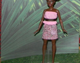 PB1-44) Petite Barbie doll clothes, 1 skirt  , top and belt