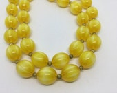 2016 Clearance Gorgeous Yellow Moonglow Like Lucite Beaded Vintage Necklace