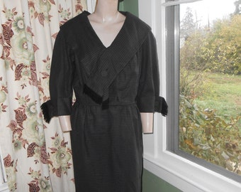 Classic Brown Wool 50's Dress w/Shawl Collar, Fitted Skirt - Size L