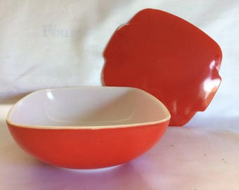 Vintage Red Square Covered Pyrex Hostess Casserole