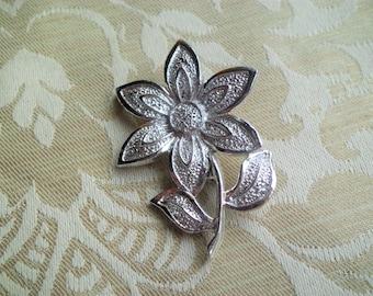 Vintage Signed Gerrys Flower Brooch