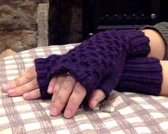 Honeycomb Fingerless Gloves - Plum