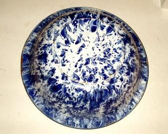 """ANTIQUE GRANITE WEAR vintage wash basin, 16"""" across, blue swirl, spatter wear, very good condition, slate blue,white,enamelwear,early 1900's"""