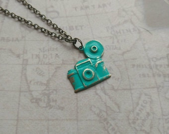 Vintage Style Camera Necklace. Photographer Necklace. Camera Necklace. Verdigris Necklace. Turquoise. Retro camera. Antique