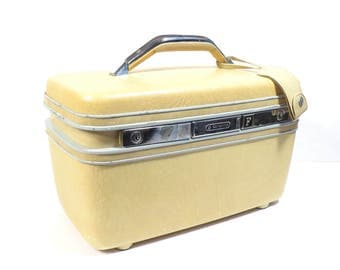 Samsonite Gold Yellow Train Case Vintage 1970s Cosmetic Case Suitcase  Luggage