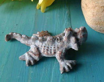 Small Cast Iron Horned Toad