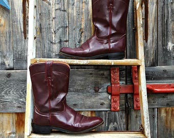 Justin riding boot, men's size 8 1/2, burgundy