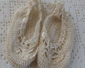 Vintage Booties Off White Crochet Embroidered Flowers