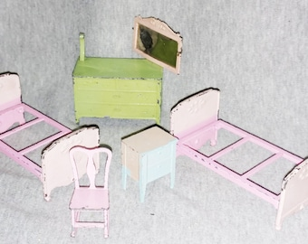 Reduced Tootsie Toy Dollhouse Furniture, Five Pieces, Mix and Match