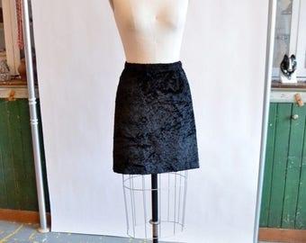 30% OFF storewide // Vintage 1990s DKNY textured mini skirt