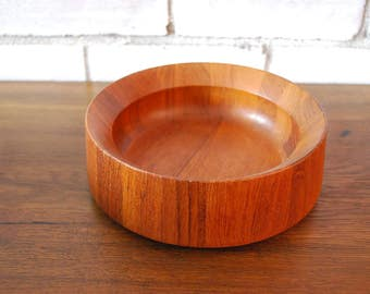Vintage teak bowl designed by Jens Quistgaard Dansk