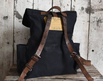 Waxed Canvas Backpack Rogue in Coal, Rucksack, Waxed Canvas Bag, Bicycle Bag, Diaper Bag, Wax Canvas Travel Bag, Leather Straps, Travel, Mom
