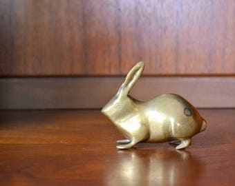 vintage brass bunny figurine / spring decor / brass home decor accents / mothers day / mom