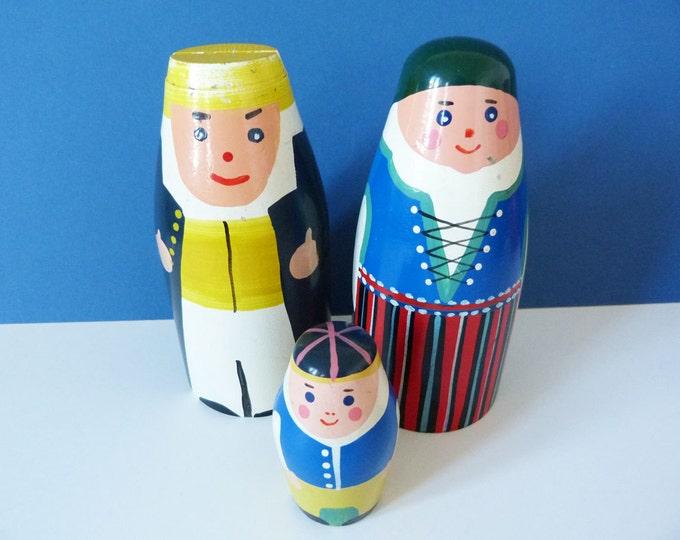 Mor Far Och Glyttarna Swedish vintage wooden money boxes.