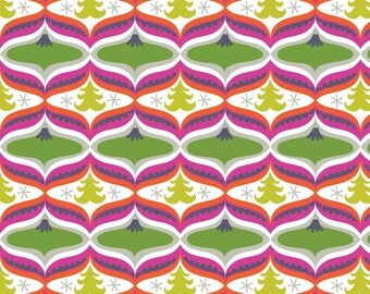 Treelicious - Garland in Green - 1 yard - Blend Fabrics