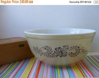 20% OFF MOVING SALE Vintage Pyrex Brown Homestead 403 Nesting Bowl, Pyrex Mixing Bowl, Pyrex Tan Brown Bowl