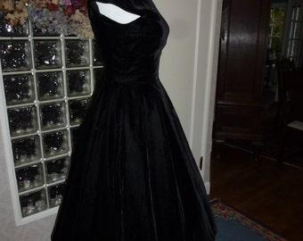 Vintage 40s 1940s Black Velvet Dress Cap Sleeve Full Circle Side Metal Zipper Low Back Party Dress XXS