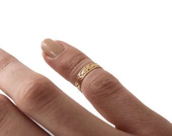 Antique 10k Gold Victorian Baby Ring / Midi Ring (sz 2)  c.1880s