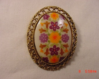Vintage Floral Flowers Faux Porcelain Brooch  16 - 786