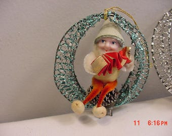 3 Vintage Christmas Elves Or Gnomes Playing Musical Instruments Ornaments - Decorations  17 - 678
