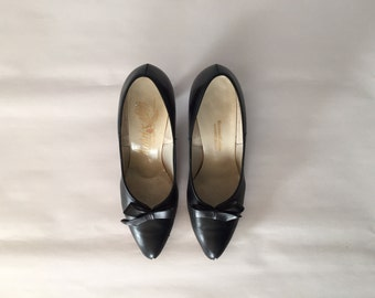 1950s black bow leather pumps | Woodward&Lothrop Washington DC heels | 7
