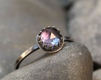Color Change Alexandrite Rose Cut 6mm in Sterling Silver Crown Bezel with Hammered Band